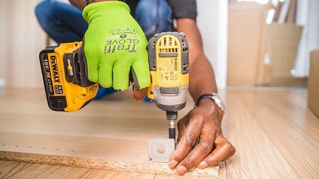 Loose the carpenter
